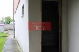 CANTINA in zona residenziale Cervignano